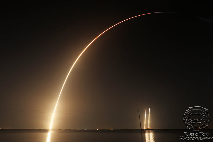 SpaceX Falcon Heavy night launch & landings